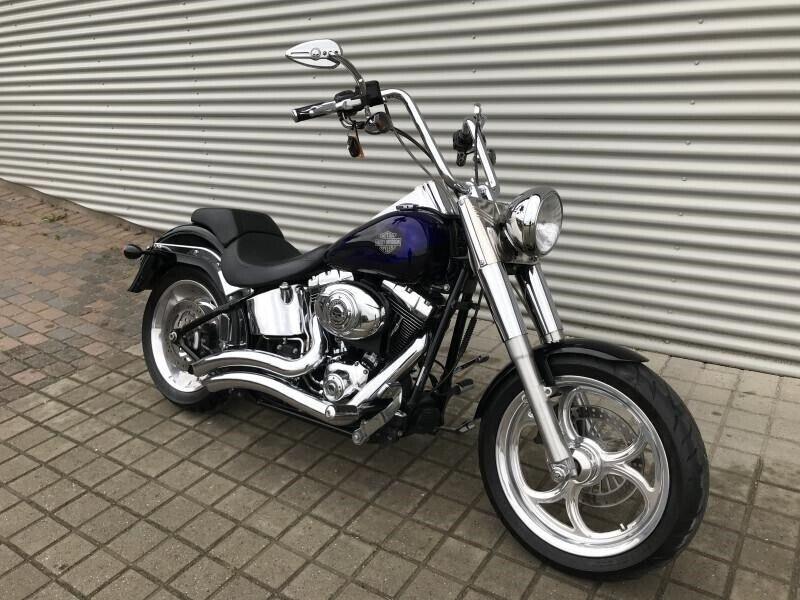 Harley-Davidson, FXSTC Softail Custom, ccm 1585