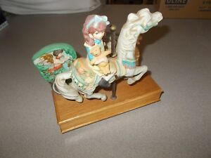 Vintage rare Willitts Melodies Carousel Horse Waltz wood porcelain musical