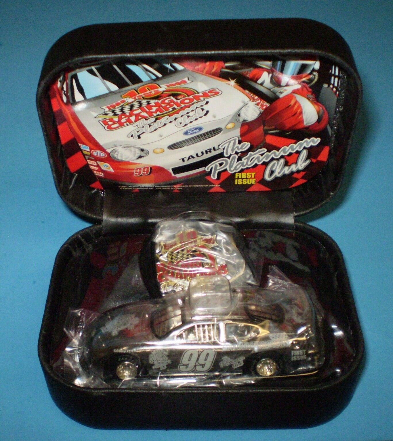 RACING CHAMPIONS, THE PLATINUM CLUB, FIRST ISSUE. 1 64, CAR.-PIN, NEW IN BOX
