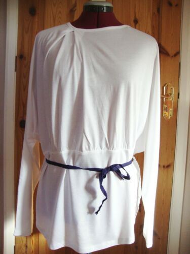 BNWT MAYSAA Ladies Pretty White Pleat Detail Batwing Belted Top Size 12