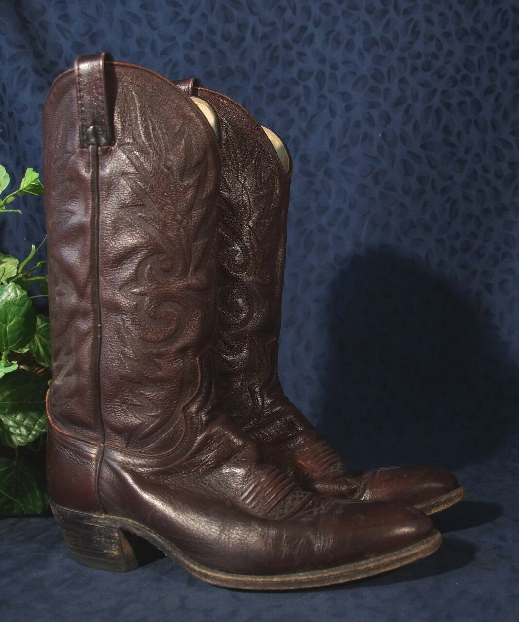 Handsome DAN POST Burgundy or Black Cherry Leather Cowboy Western Boots Sz 10B
