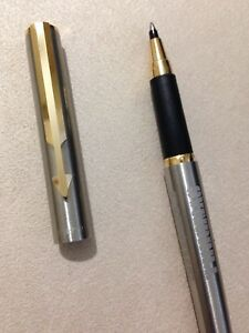 1983 PARKER ARROW STEEL FLIGHTER GOLD TRIM ROLLERBALL PEN-USA-ADVERTISED. 8gT1vl6K-09092929-647495746