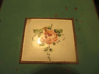 REX FIFTH AVENUE VINTAGE COMPACT WITH MIRROR ROSES MOTIF
