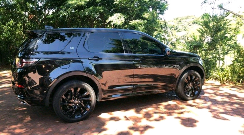 BLACK EDITION LAND ROVER DISCOVERY HSE SPORT 7 SEATER