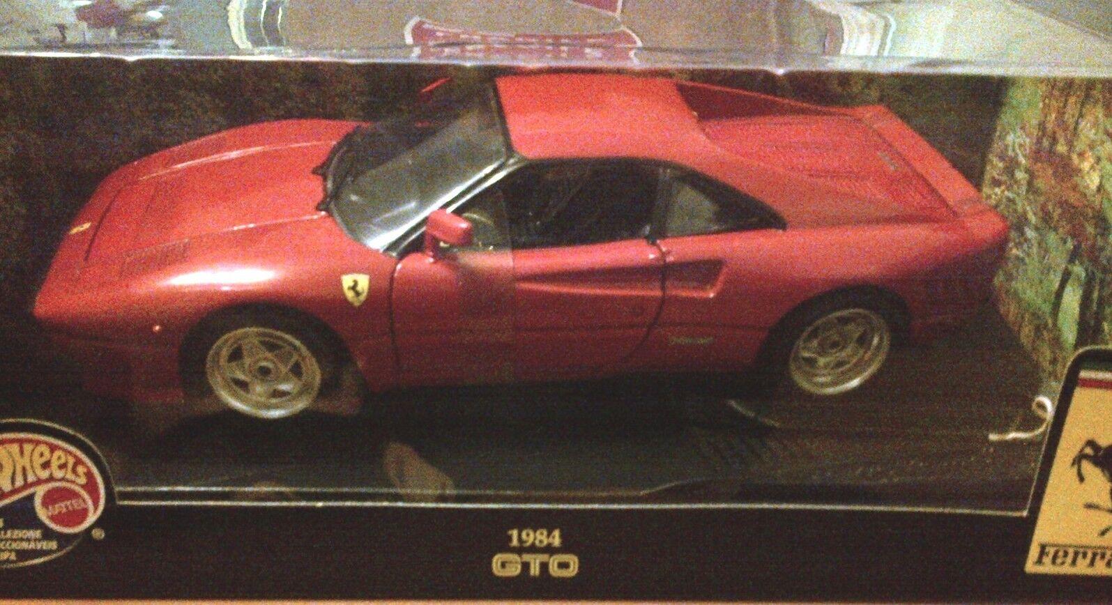 Ferrari 288 GTO rouge hot wheels très rare interrompu Brand New in Near Comme neuf BOX