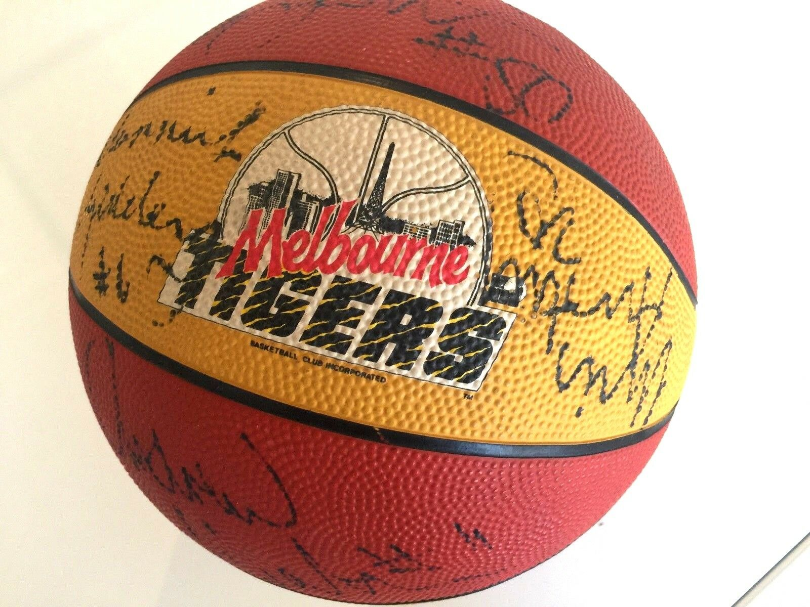 NBL 1993 Melbourne Tigers Team Signed BasketBall