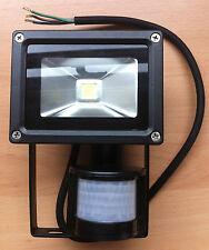 10w LED Security Floodlight Spotlight Sensor Motion Detector PIR IP44 Black New