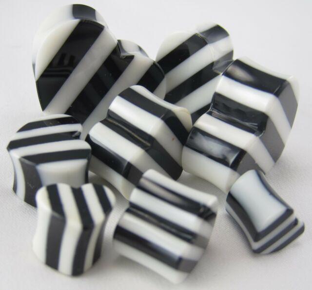 1 PAIR HEART STRIPED ORGANIC HORN BLACK WHITE PLUGS SADDLE EAR GAUGES TUNNEL