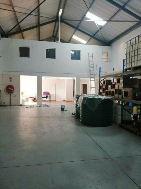 255m2 Factory Warehouse TO LET in Asla Park, Strand.