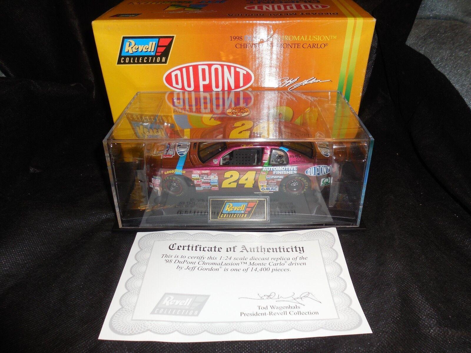 Revell Collection1 24 Jeff Gordon  24 Dupont Chromalusion 1998 Chevy Monte Carlo