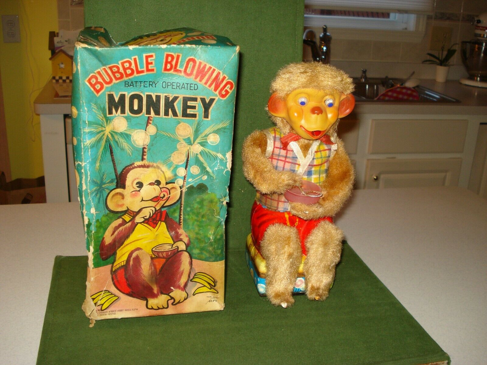 1962 BUBBLE BLOWING MONKEY BATTERY OPERATED TOY, w BOX, WORKS BY ALPS
