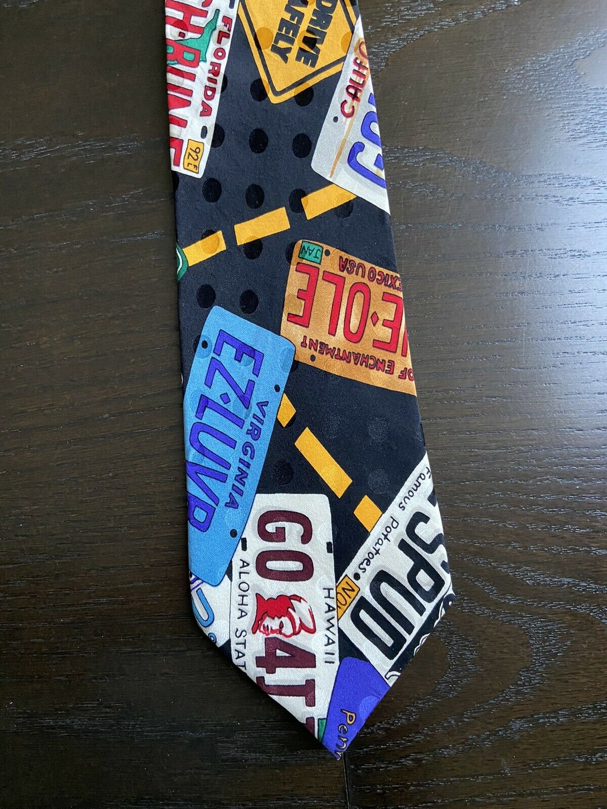 Vintage Licence Plate tie  Nicole Miller United States Licence plates and Road Signs Conversation Necktie 56 x 3.75 Vintage Tie Shop T1339