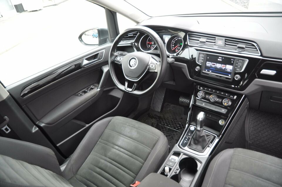VW Touran 2,0 TDi 190 Highline DSG BMT Diesel aut. modelår