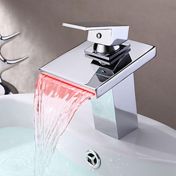 DEL 3 Couleur changement de salle de bains bassin laiton évier cascade Chrome mitigeur robinet