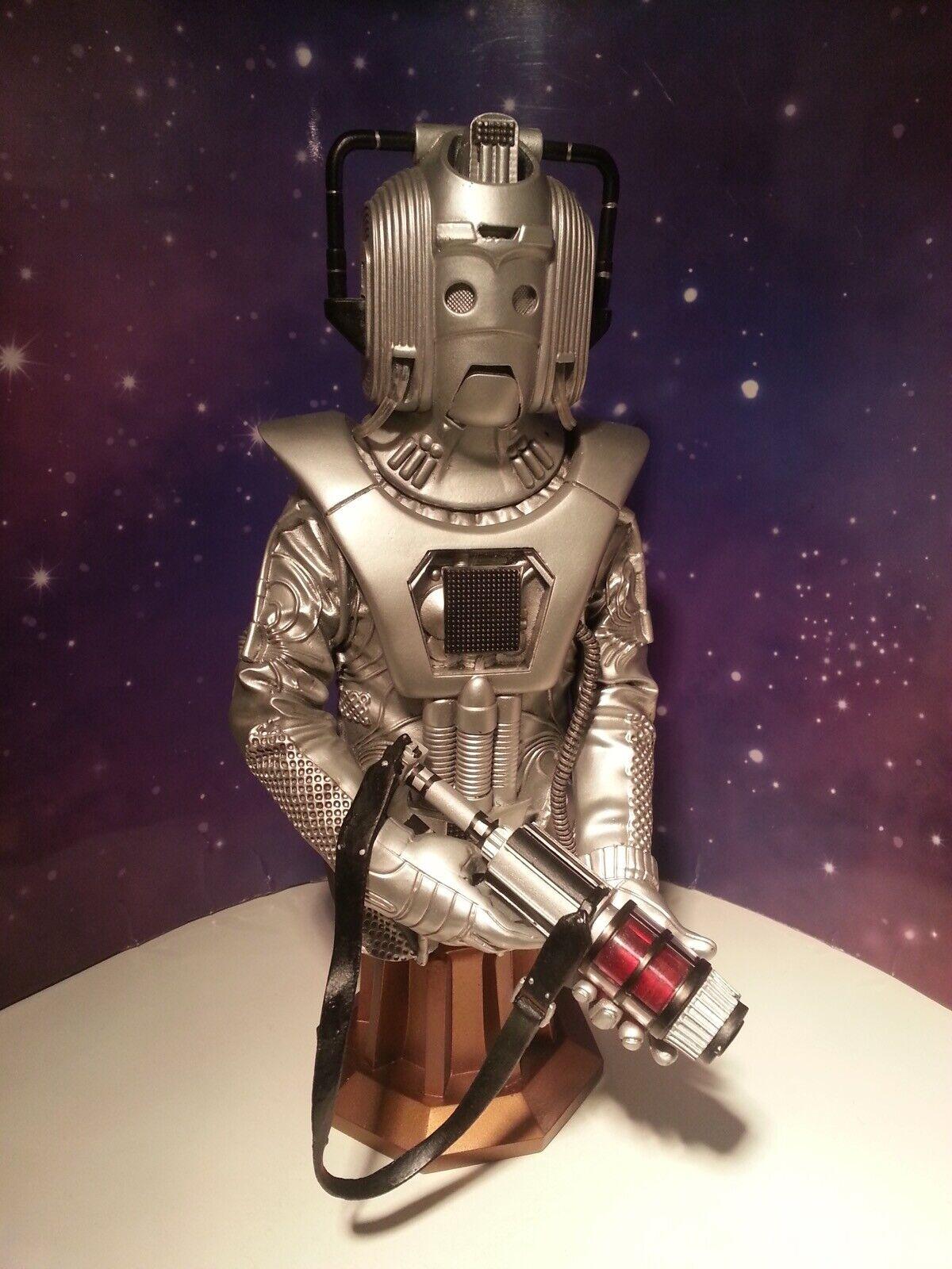 Dr Who Cyberleader líder Cyberman 8  obra maestra Titan STATUE bust Modelo En Caja