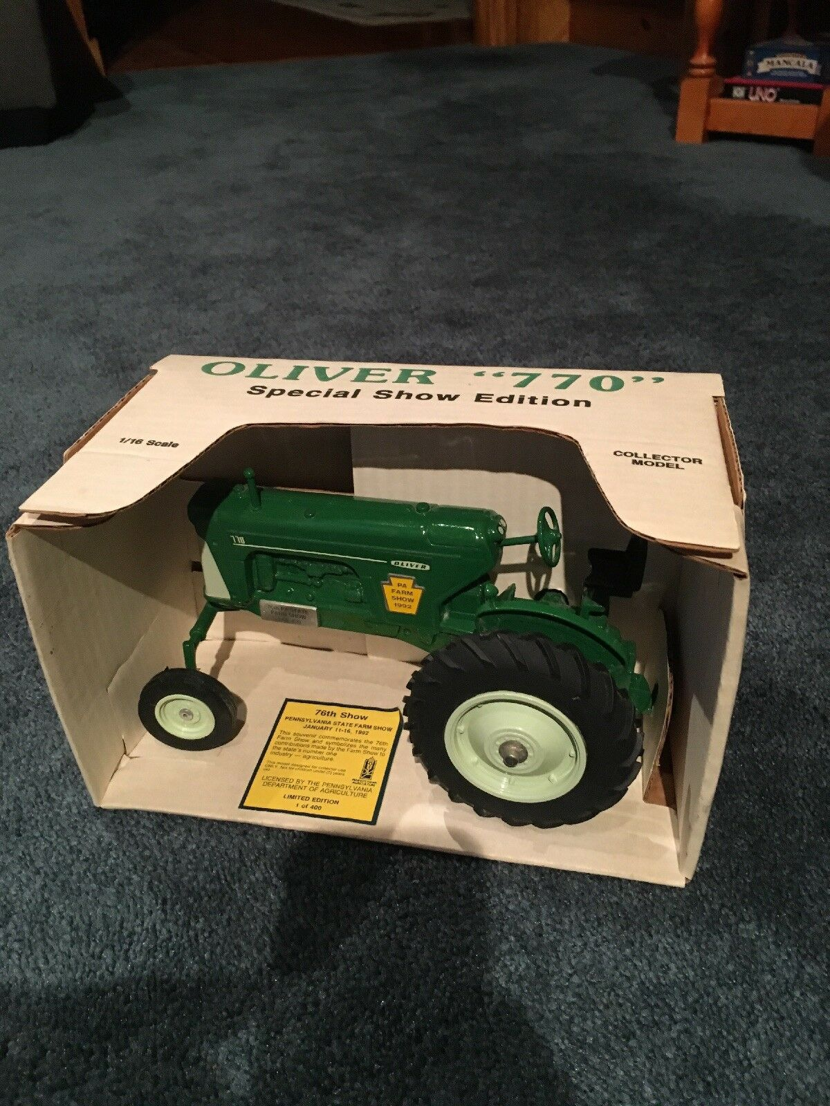 1 16 Oliver 770 wide front Tractor PA Special Show Edition New in Box Spec Cast