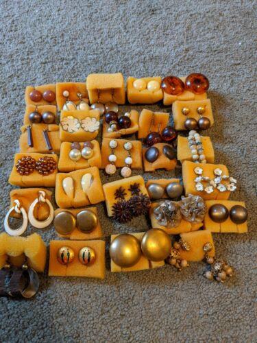 Lot of 28 Brown Vintage Screw Back Earrings, Costu