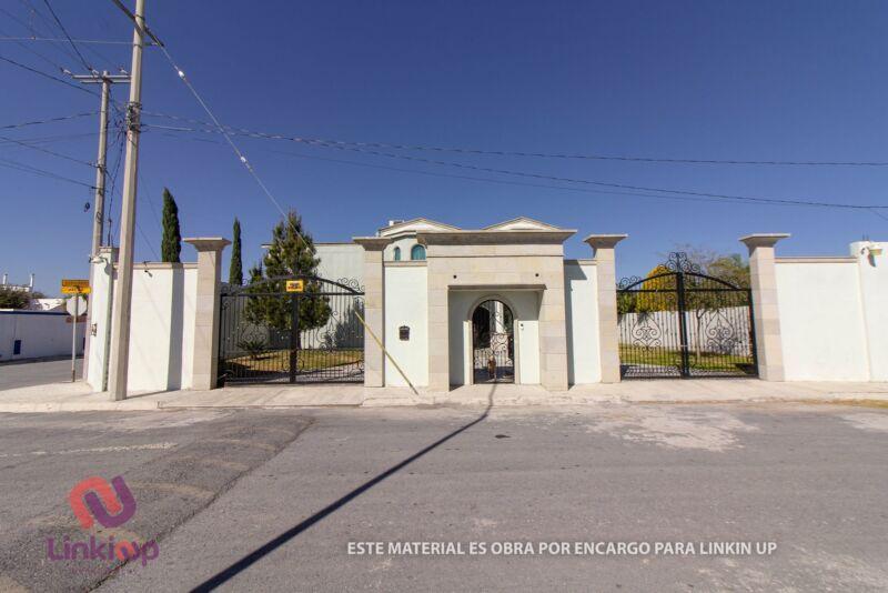 Casa en Venta en Esquina en Fraccionamiento Portal del Norte General Zuazua Nuevo Leon