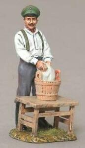 THOMAS GUNN WW1 GERMAN GW071B SOLDIER WASHING CLOTHES MIB