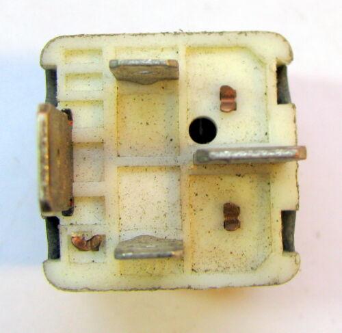 Relais de contrôle Relais Hella 9522061 SAAB 900//9000 Original