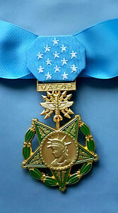 US-Air-Force-MEDAL-OF-HONOR-and-RIBBON-Full-Size-American-WW2-Replica-Award