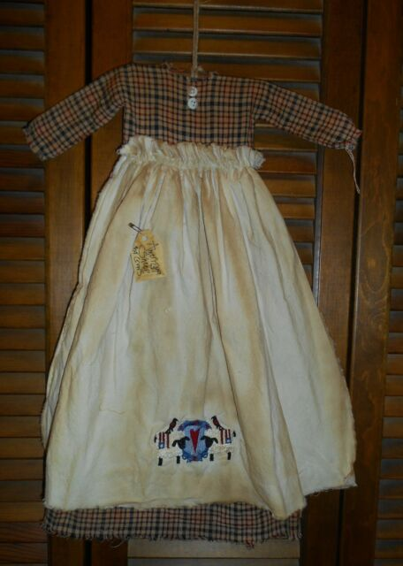Prim Wall Decor Dress RED & BLUE PLAID W/ APRON Americana Sheep,Crow,Patriotic