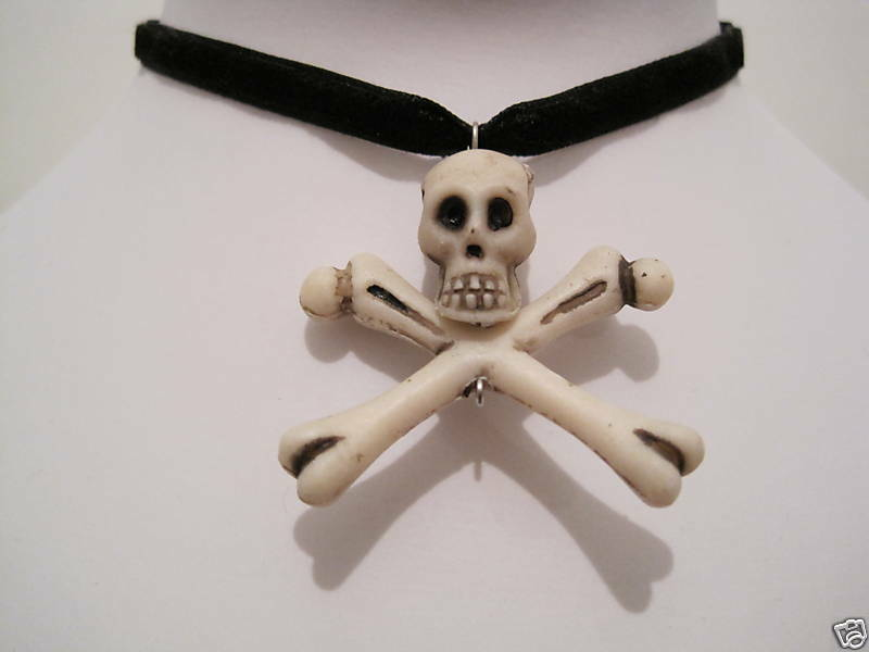 *SKULL AND CROSSBONES* Skeleton Black Velvet Choker Pirate Unisex HALLOWEEN Bone