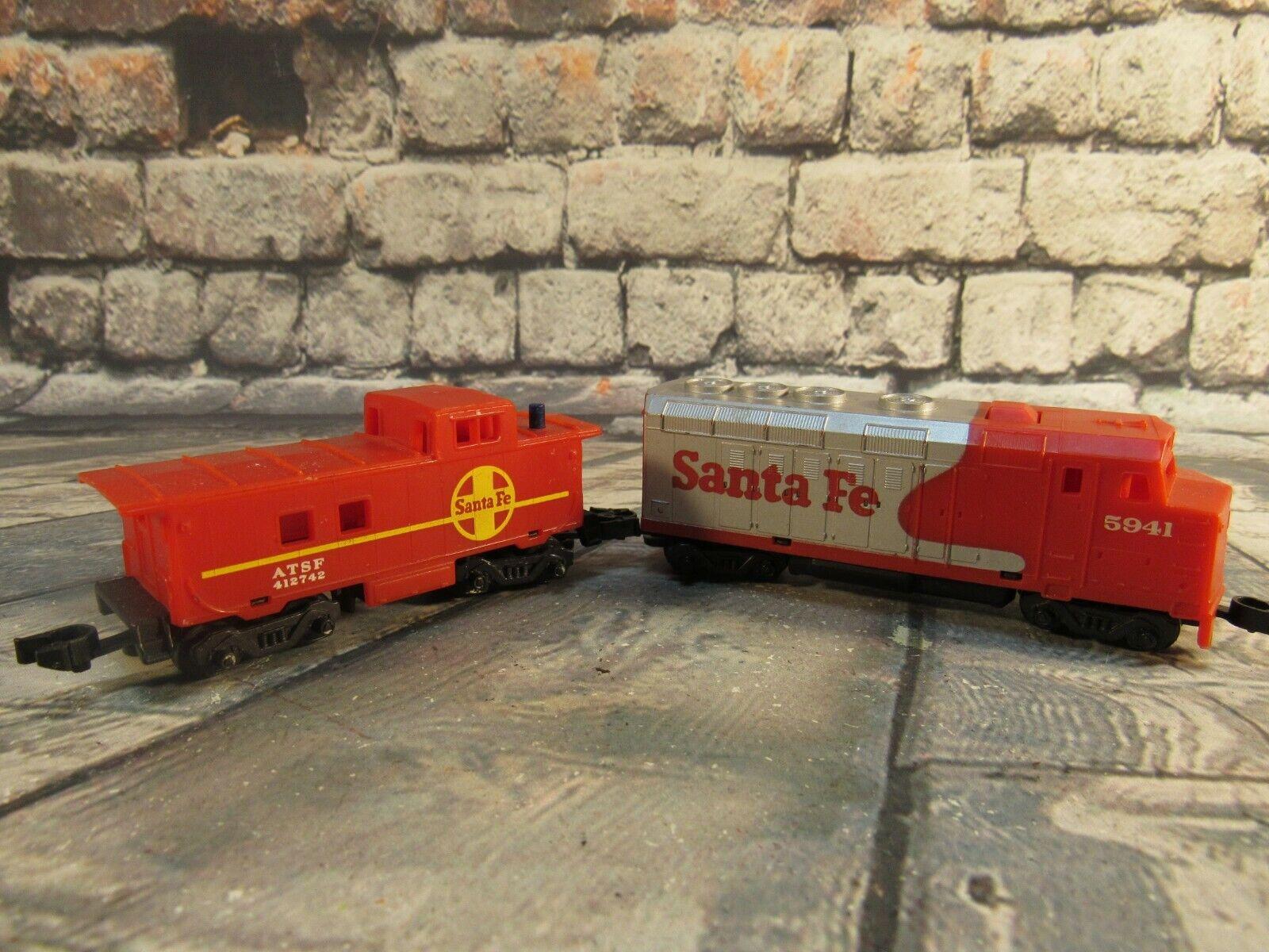 vintage 1983 MATTEL Hot Wheels Santa Fe Engine 5941 & Caboose ATSF 412742