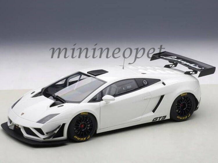 AUTOart 81358 LAMBORGHINI GALLARDO GT3 FL2 2013 1 18 DIECAST MODEL CAR WHITE