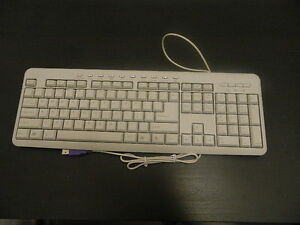 US-Tastatur-Keyboard-englisch-Qwerty-USB-PC-Computer-Neu-OVP-Rechnung