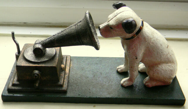 SUPERB HEAVY CAST IRON HMV HIS MASTERS VOICE DOG AND GRAMAPHONE ORNAMENT