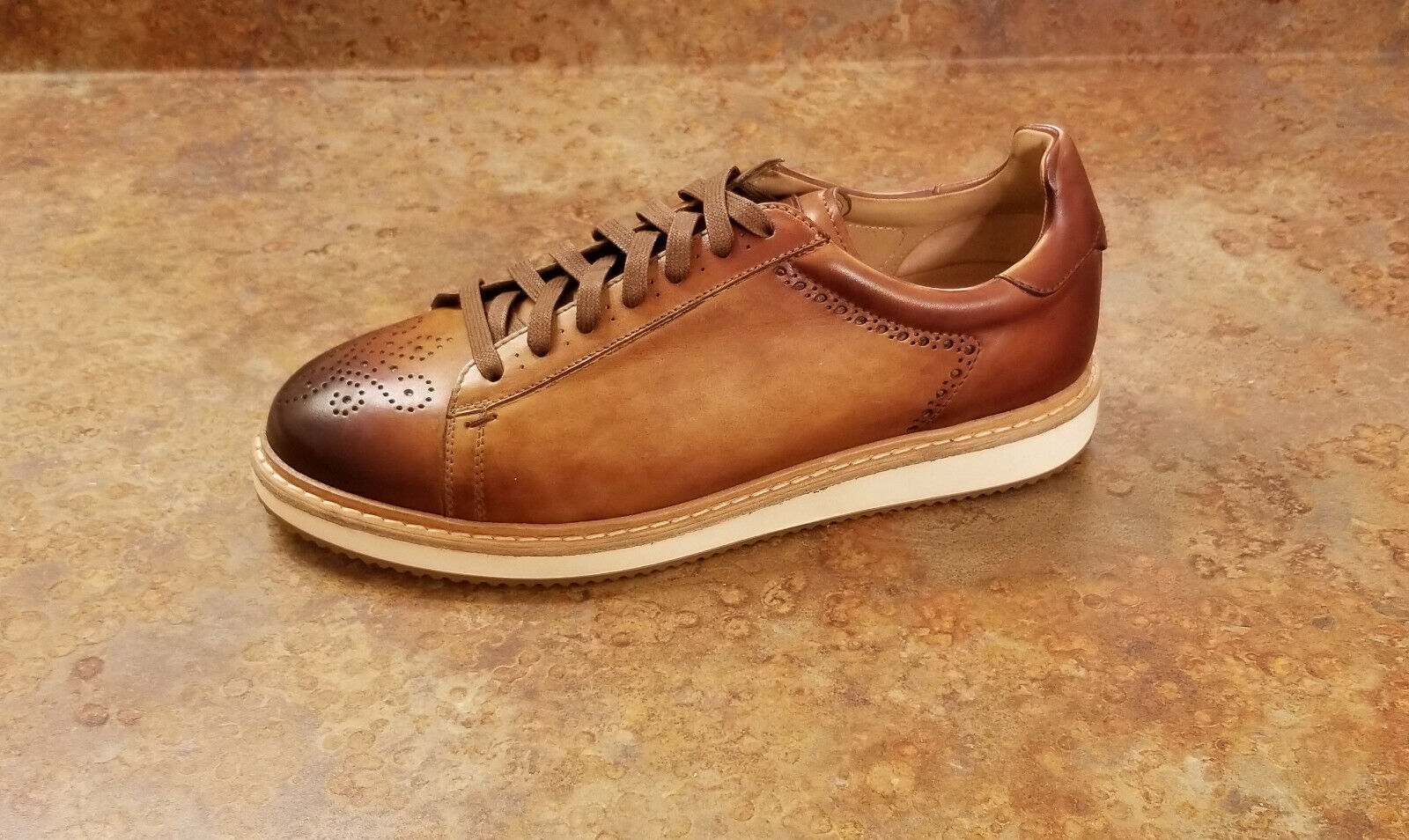 New  Magnanni '21582' Low Top Cognac Brown Leather Sneakers Mens 8 M MSRP  395