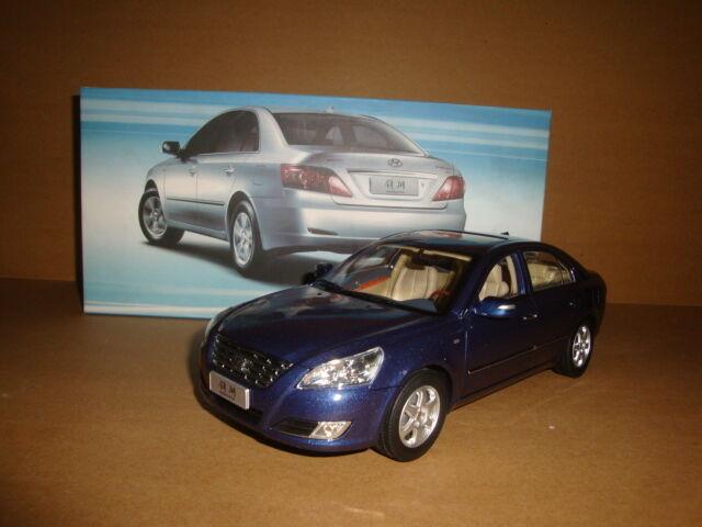 1 18 Hyundai sonata NFC azul Coloree-- model paint isn't good, have air-bubble