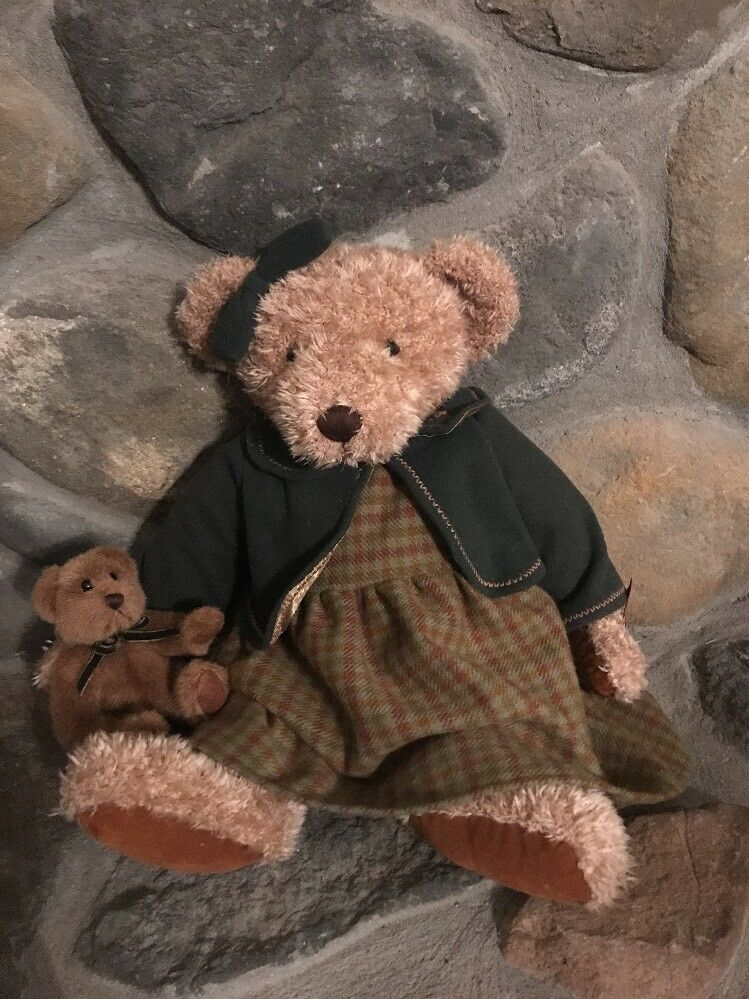 RUSS   VINTAGE COLLECTION LADY ELSPETH   44722 RETIROT BEAR 010a11