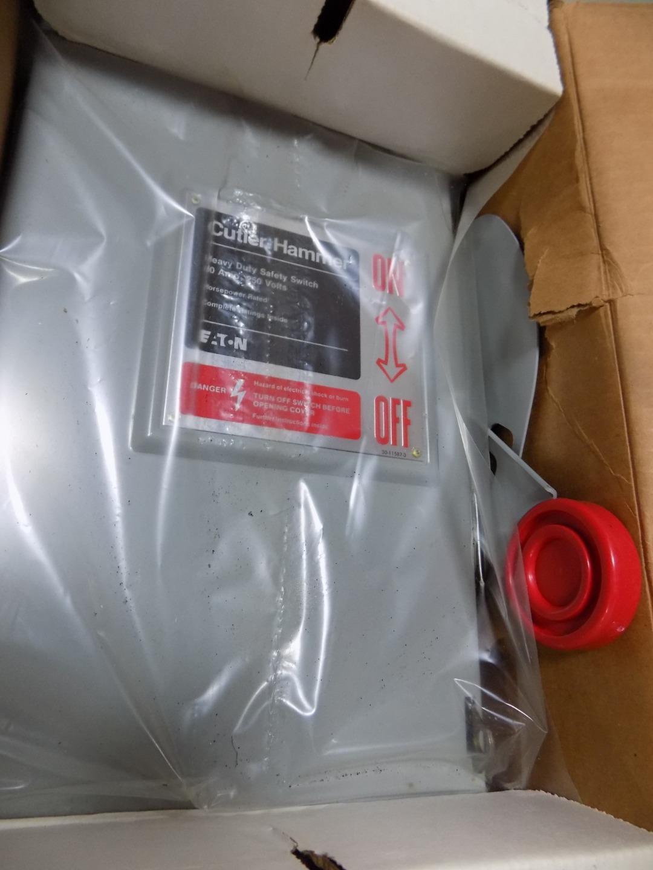 CUTLER-HAMMER 60A 240VAC TYPE-1 HEAVY DUTY SAFETY SWITCH DH222NGK NIB