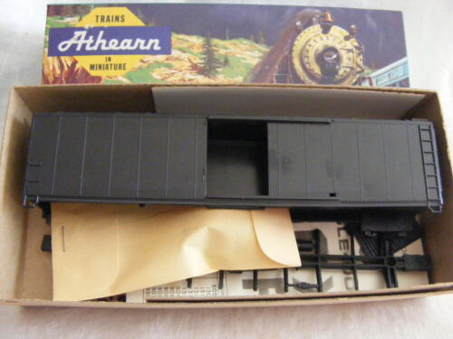 1970/'s HO Scale Athearn 5050 50/' Sliding Door Boxcar Undecorated