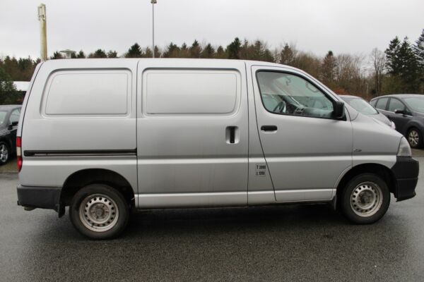 Toyota HiAce 2,5 D-4D 95 kort - billede 5
