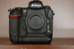 Nikon-D3s-12-1MP-Digital-SLR-Camera-Black-Body-Only-SLECHTS-134809-CLIKS