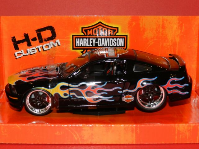Maisto 1/24 2006 Ford Mustang GT
