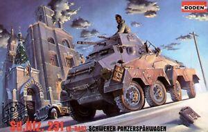 Roden-1-72-Scale-SdKfz-231-8-Rad-Schwerer-PanzerSpahwagen-Kit-No-702
