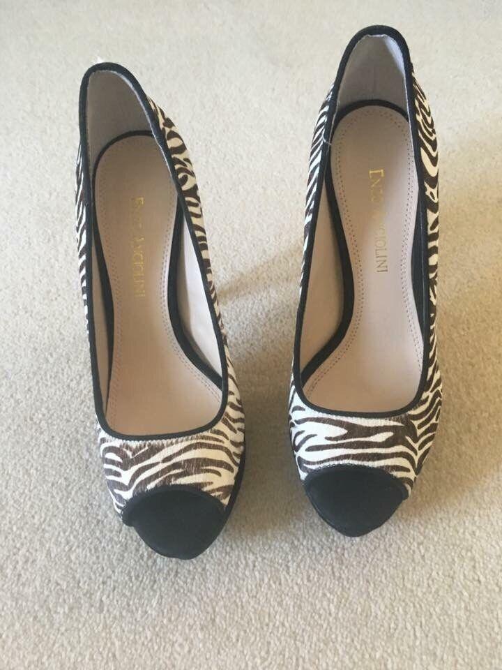 NUOVA BELLISSIMA pelle cavallino zebra paio di alti tacchi alti di 5053a9