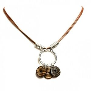 Olaf-Strauss-Design-Femme-cou-collier-avec-Coconut-tranches-finition-main
