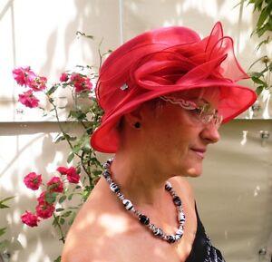 Damenhut-traumhafter-Organzahut-Rubinrot-Anlasshut-Hochzeit-Ascot-Anlasshuete