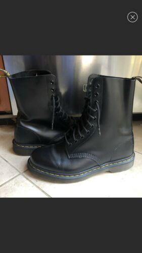 Black Leather Dr Martens High Top Boots Size 9