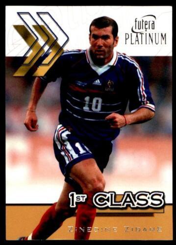 primera clase Futera estrellas mundiales 2002-Zinedine Zidane Francia No.38