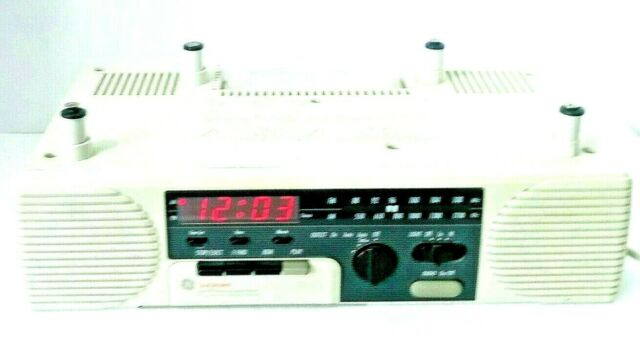 Ge Spacemaker Stereo Radio Cassette Player With Light 7 4287 For