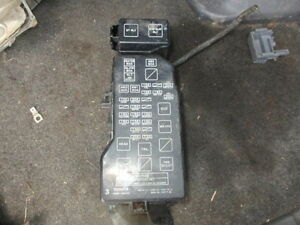TOYOTA-LANDCRUISER-COLORADO-3-0TD-FUSE-BOX-UNDER-BONNET-LWD-MANUAL-1996-2000