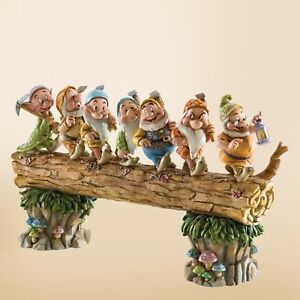Enesco-Disney-Traditions-by-Jim-Shore-Snow-White-and-the-Seven-Dwarfs-Heigh-ho