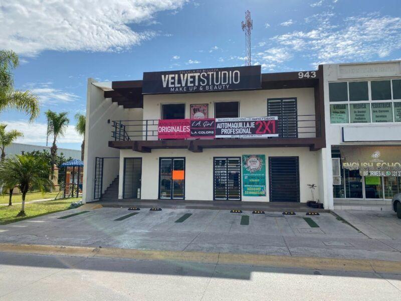 REAL DEL VALLE - VENTA DE PLAZA COMERCIAL