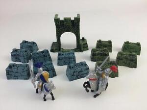 Knight-Toy-Figure-17p-Lot-Battleground-Crossbows-Castle-Moose-Australia-Safari